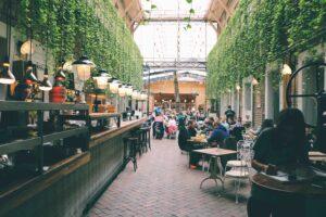 Food court - kluczowa część obiektów handlowych