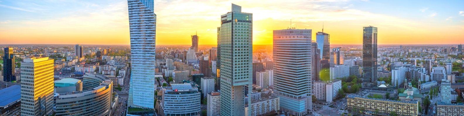 cena transakcyjna za m2 mieszkania w Warszawie wyniosła 9568zł